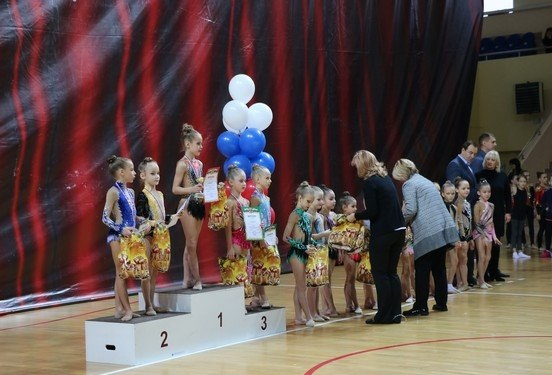 В Смоленске соревновались юные гимнастки