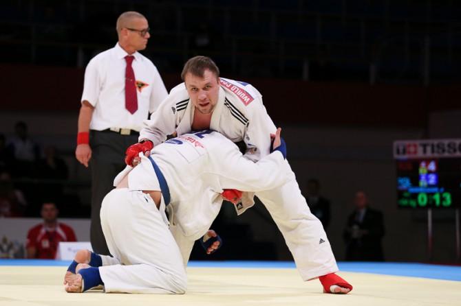Выпускник смоленского училища олимпийского резерва завоевал две медали на чемпионате мира по джиу-джитсу