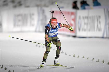 Немка Дальмайер выиграла индивидуальную гонку на первом этапе КМ по биатлону