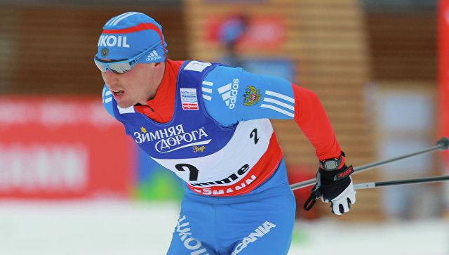 Российский лыжник Легков стал третьим в масс-старте на 15 км на этапе КМ