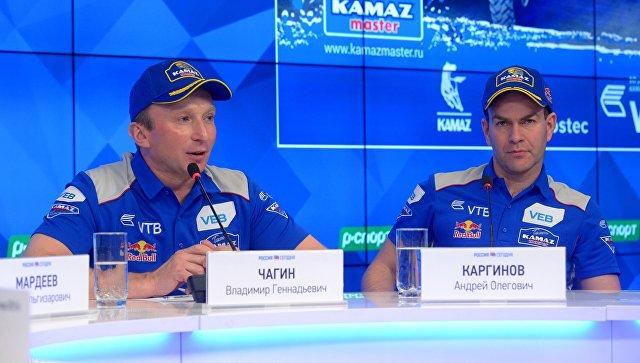 Команда «КАМАЗ-мастер» не собирается уходить из «Дакара», сообщил Чагин