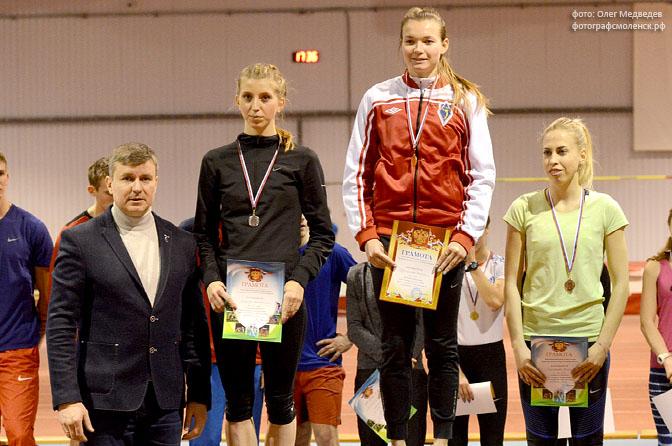 Студентка смоленского училища завоевала «серебро» на первенстве ЦФО по легкой атлетике