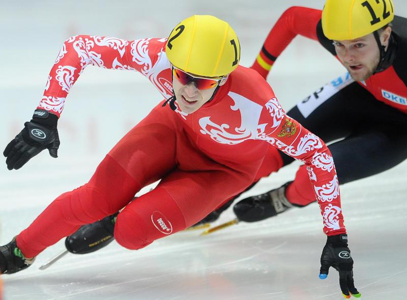 Выпускник смоленского училища олимпийского резерва выиграл медали Чемпионата России по шорт-треку