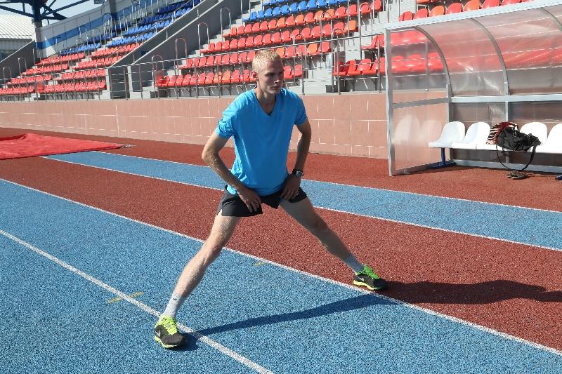 Смоленский легкоатлет Дмитрий Семенов выиграл соревнования в Брянске