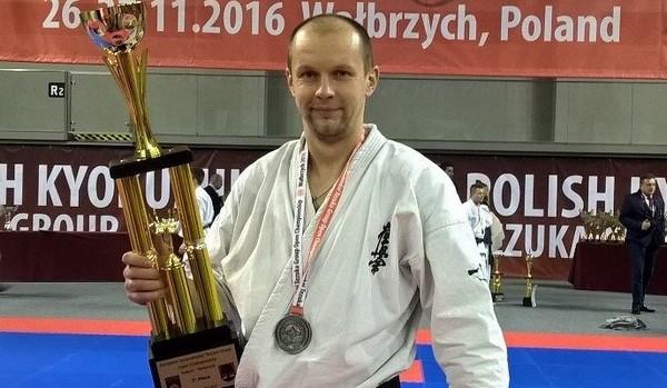Учитель из Смоленской области стал серебряным призёром чемпионата Европы