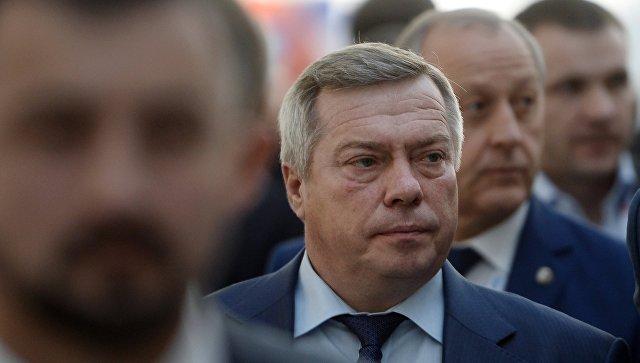 Глава Ростовской области протестировал сиденья для «Ростов Арены»
