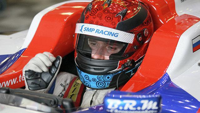 Гонщик Алешин продолжит выступать за Schmidt Peterson в Indycar