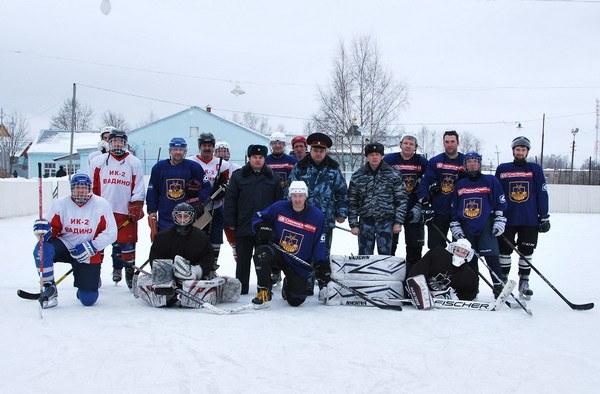 Хоккейный клуб «Смоленск» сыграл с заключенными колонии строго режима