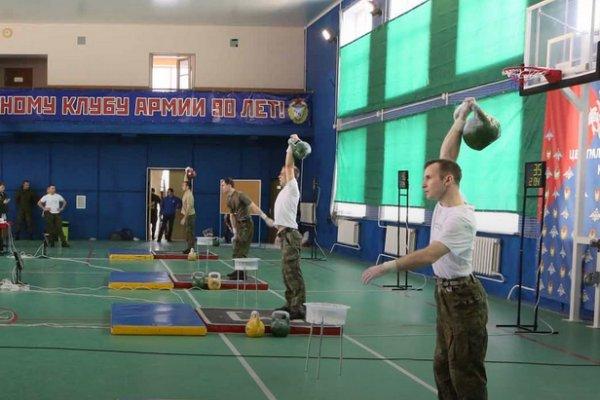 В Смоленске впервые проведут чемпионат по армейскому гиревому рывку