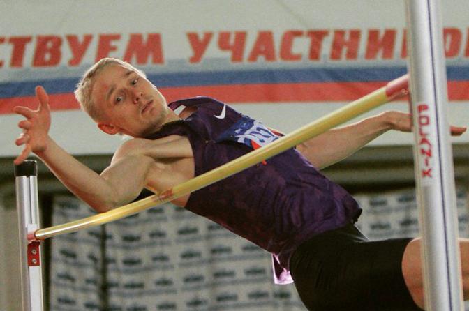 Смоленский легкоатлет стал вторым на всероссийских соревнованиях в Санкт-Петербурге