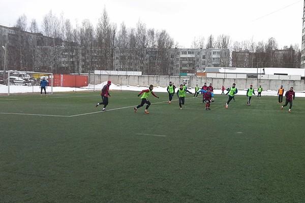 Смоленские футболисты готовятся к весенним матчам сезона