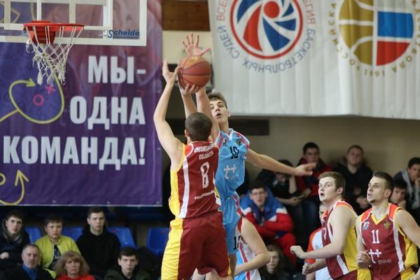 В Смоленске стартовал финал ЦФО лиги «КЭС-Баскет»