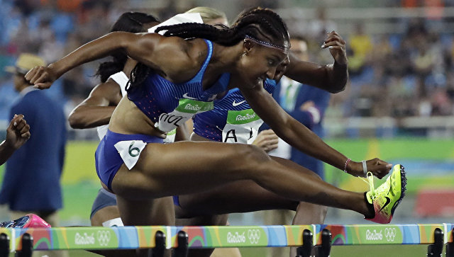 Олимпийскую чемпионку Брианну Роллинс дисквалифицировали на год