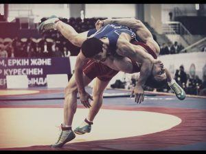 Студент смоленского училища олимпийского резерва выиграл первенство России по греко-римской борьбе среди юниоров