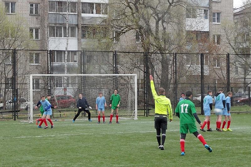 В Смоленске определились победители районного этапа соревнований по футболу