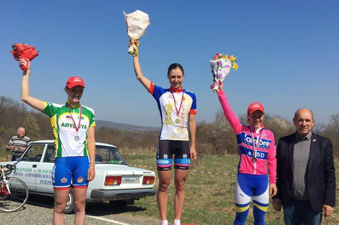 Выпускница смоленского училища олимпийского резерва выиграла многодневную велогонку