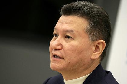 Илюмжинов сохранил пост президента ФИДЕ