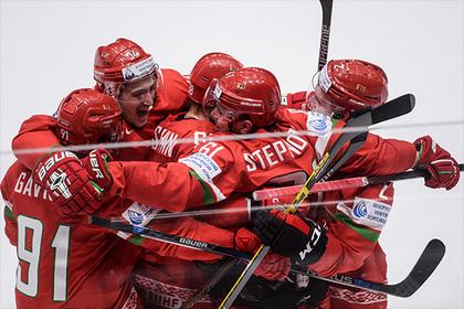 Белорусских хоккеистов обыскали в Париже