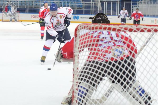 Максим Шкадов: «Даже сильные соперники стали уважать смоленских хоккеистов»