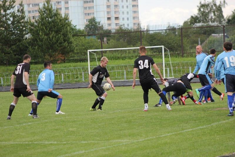 Футболисты «Металлурга» и «Автодора» захватили лидерство в чемпионате Смоленской области