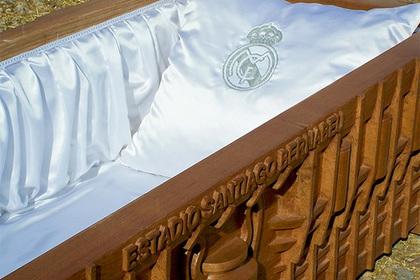 В Испании начали производить гробы с логотипами «Реала» и «Барселоны»