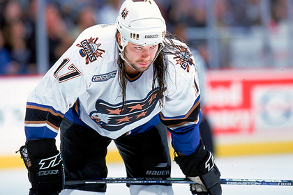 Заработавший за карьеру 15 миллионов долларов хоккеист объявил себя банкротом