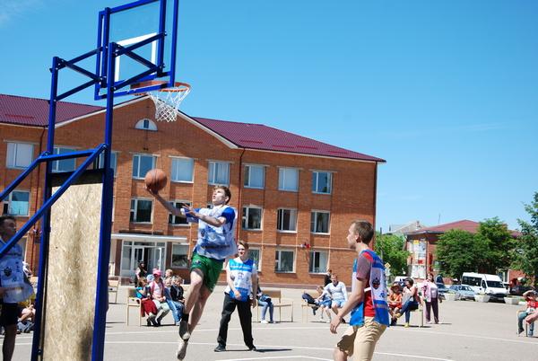 Во всех районах Смоленской области пройдут молодежные соревнования по баскетболу