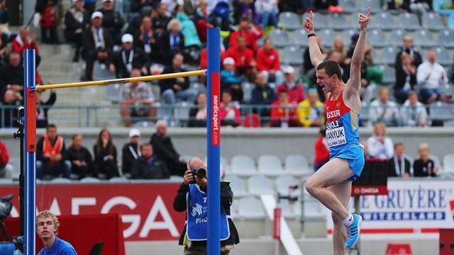 Смоленский легкоатлет Илья Иванюк стал вторым на всероссийских стартах