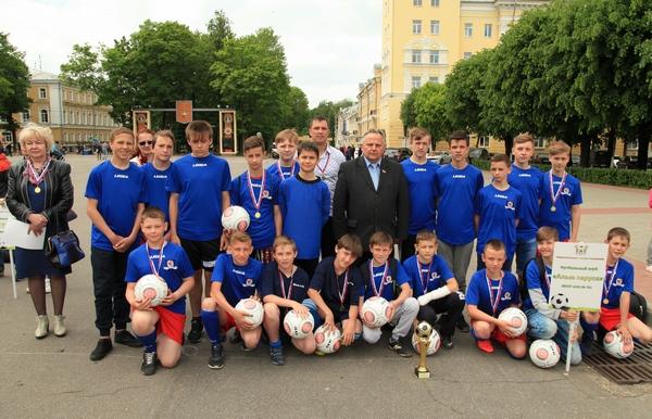 В Смоленске подвели итоги футбольного турнира среди школьников