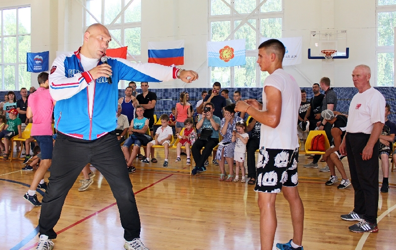 Депутат Госдумы Николай Валуев провел мастер-класс в Десногорске