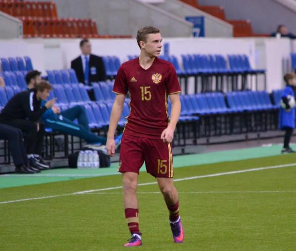 Воспитанника смоленского футбола снова вызвали в сборную России