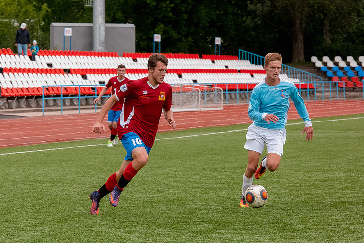 Смоленский ЦРФСО заявил 22 футболиста