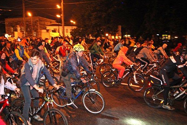 Ночной велопарад пройдет в Смоленске 22 июля