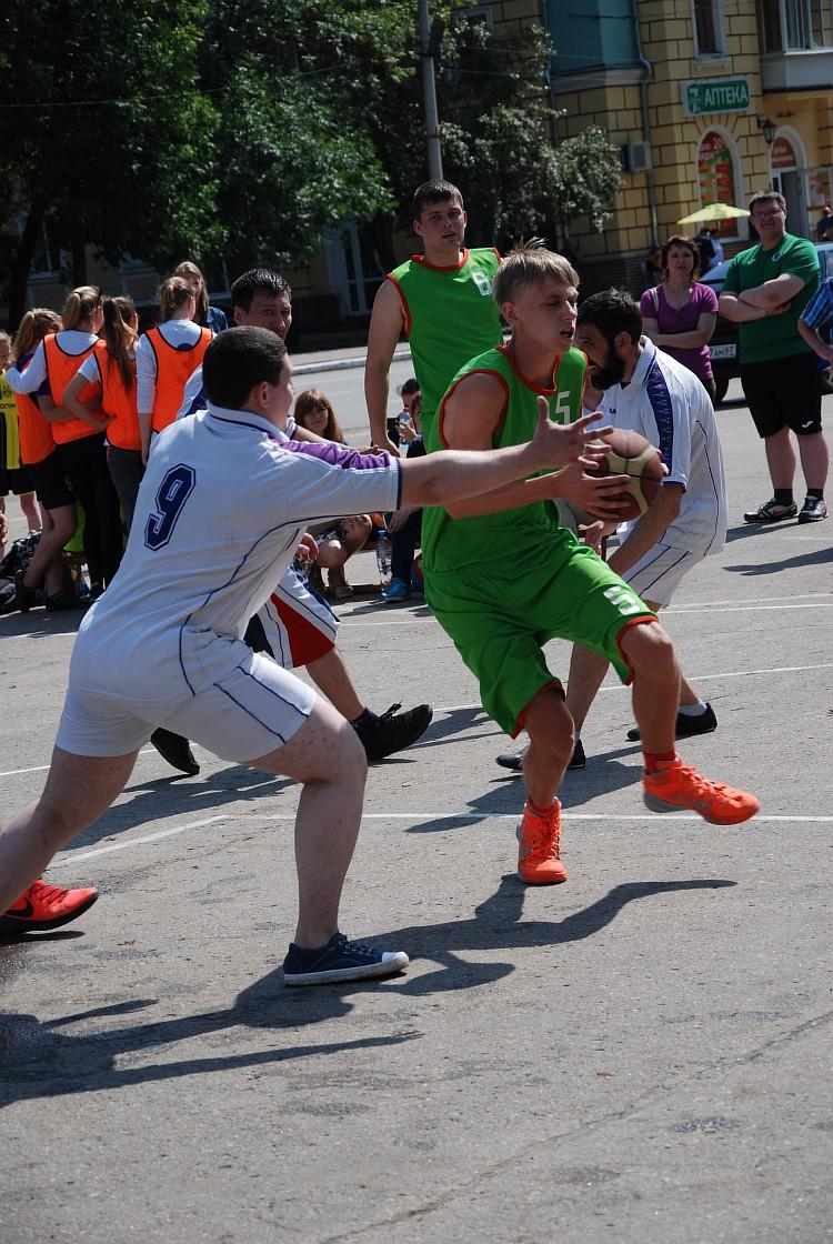 Сафоново – на планета баскетбола «Оранжевый атом»