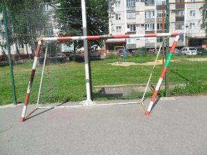 В Десногорске футбольные ворота рухнули на ребенка