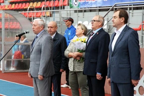 В Смоленске стартовал футбольный турнир памяти Александра Шкадова