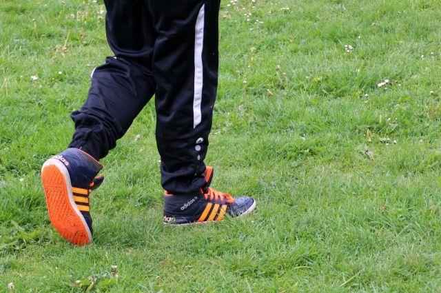 Смоляне жалуются на куски труб, угрожающие детям на стадионе – соцсети