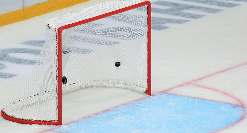 В четверг в Смоленске стартует чемпионат города по хоккею