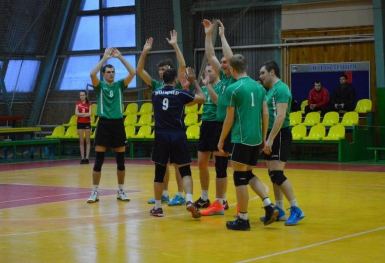 Клуб из Смоленской области стартовал в чемпионате России по волейболу
