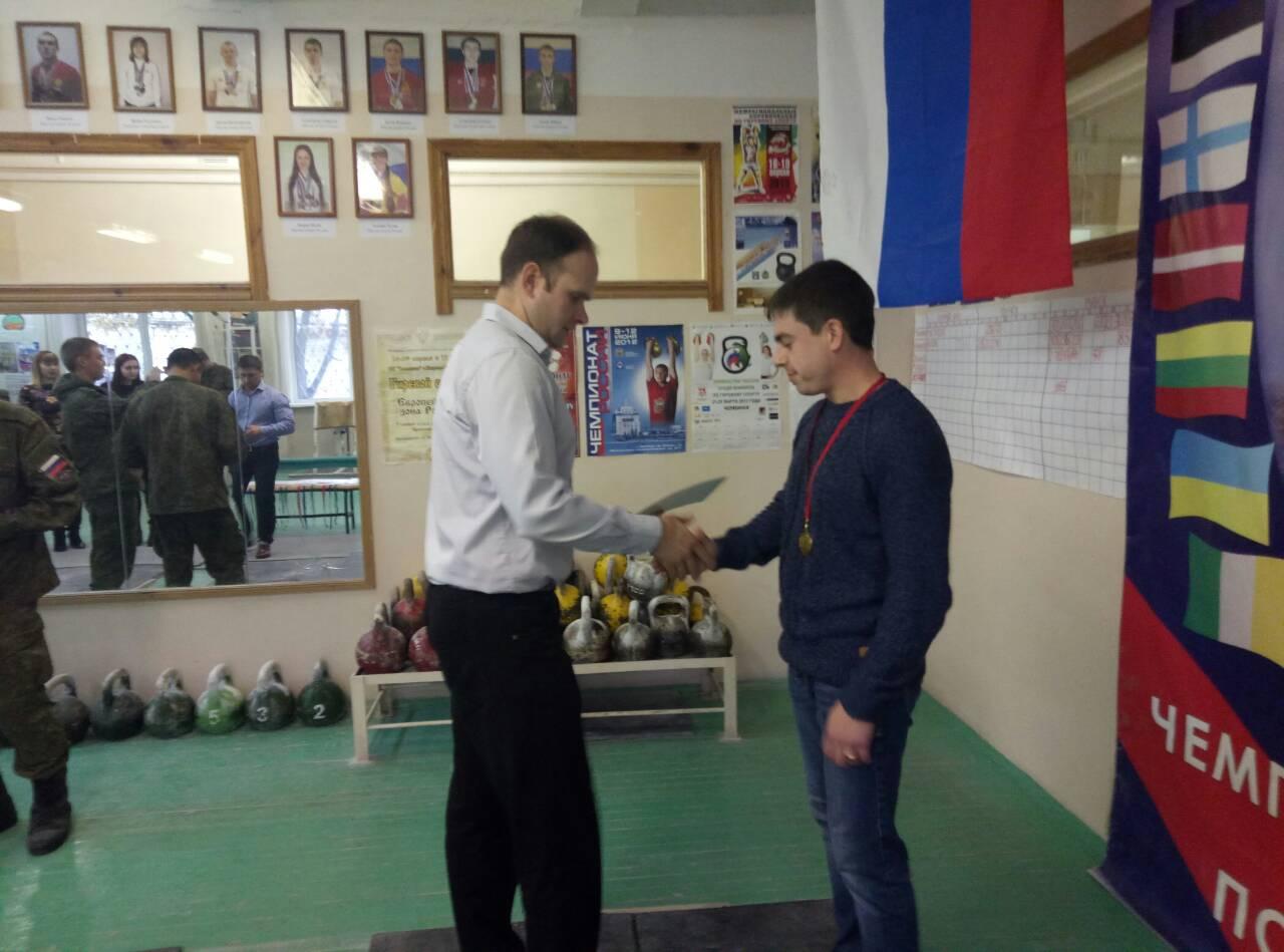 ЦСКА Смоленск прошли соревнования по гиревому спорту среди военнослужащих