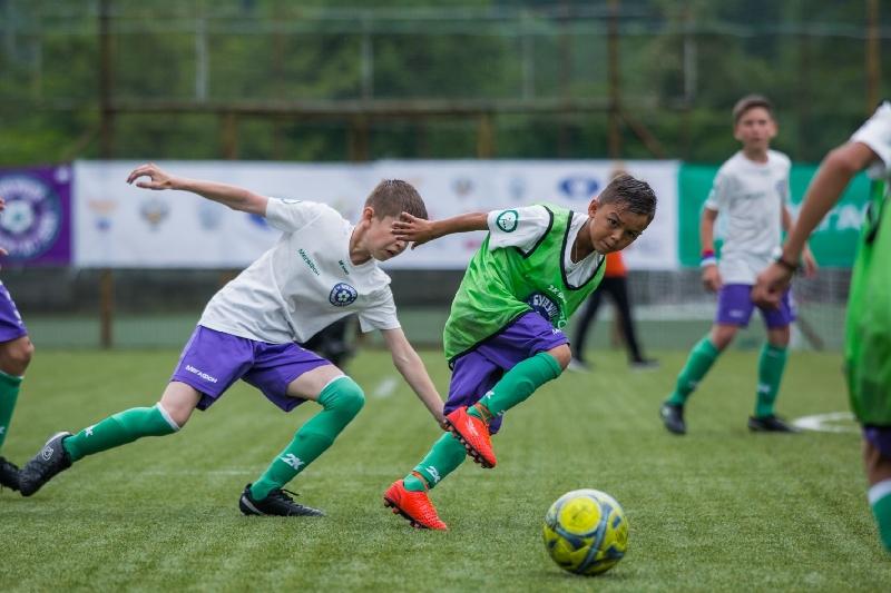 Юные смоленские футболисты выходят на международный уровень