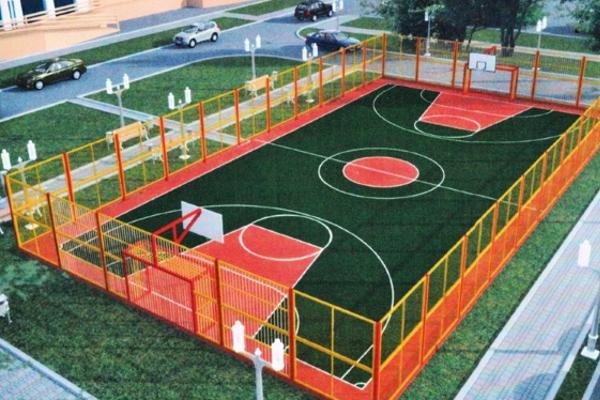 В Смоленске между двумя школами решили построить спортплощадку