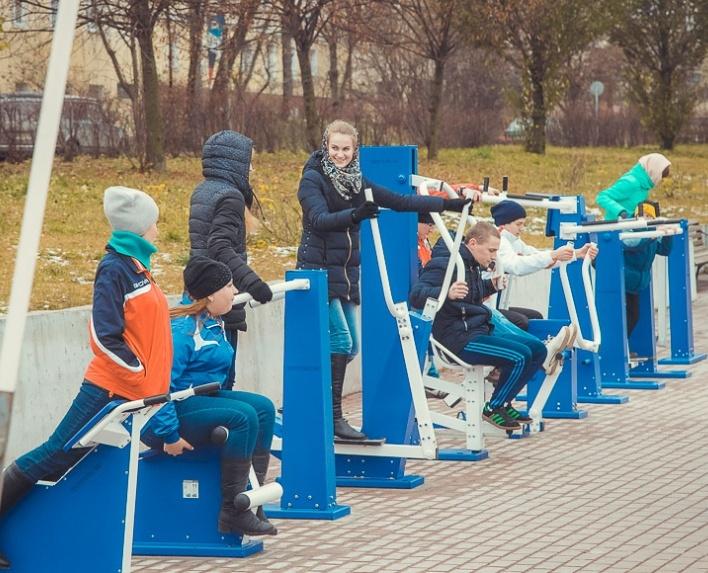 Мэрия Смоленска закупает новые уличные тренажеры