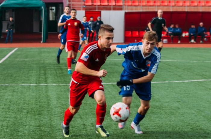 Футболисты СГАФКСТ сыграли вничью с московским РЭУ
