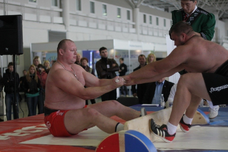 Смолянин завоевал «золото» на Кубке мира по мас-рестлингу