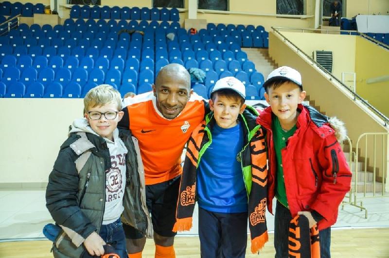 Юные футболисты из Шаталова посетили матч мини-футбольной Суперлиги