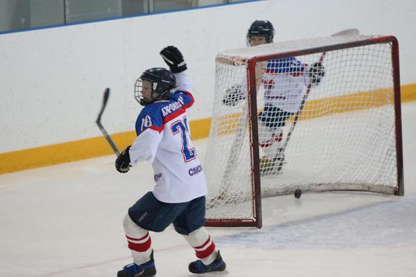 В регионе проходят регулярные игры Чемпионатов города-героя Смоленска и Смоленской области по хоккею