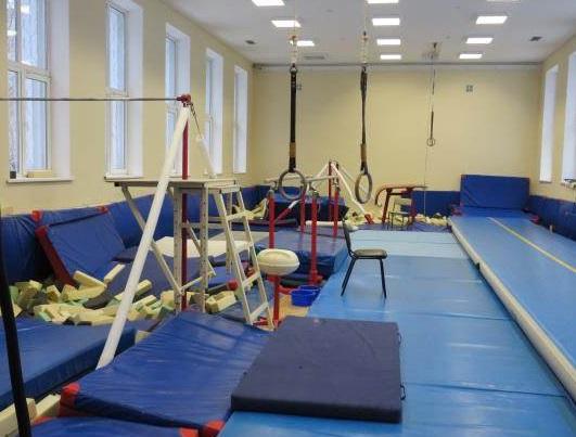 Смоленская спортшкола за свой счет отремонтирует крышу