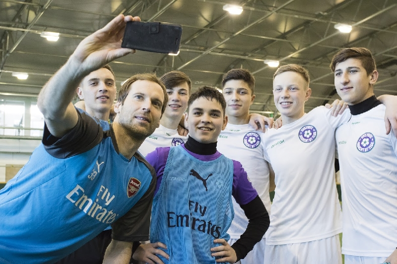 Команда из Смоленска одержала «ГАЛАКТИЧескую» победу над юношами из «Арсенала» во время призовой поездки в Лондон от «МегаФона»