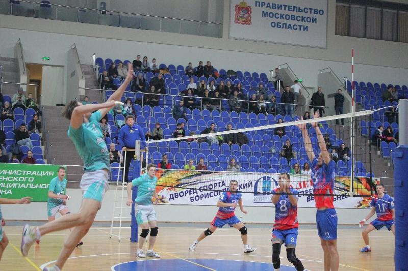 Смоленские волейболисты потеряли лидерство в Первой лиге